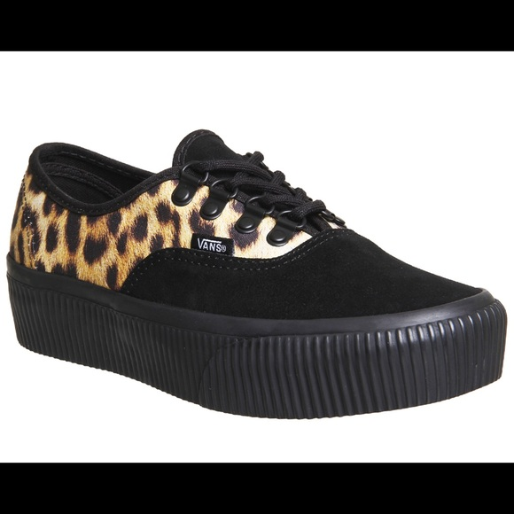 117badc85c2324 Vans Authentic Platform in cheetah black suede. M 5b75ef3cc2e88eeab0dc6a99